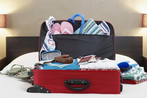 Summer Packing Tips From HookandLoop.com